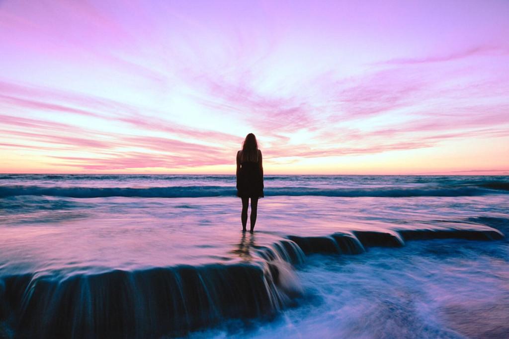 綺麗な海と人